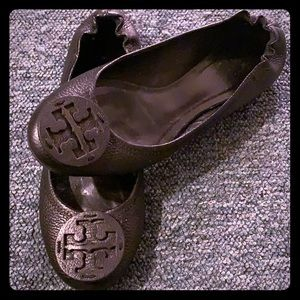 TORY BURCH black logo REVA leather flats 9 9m